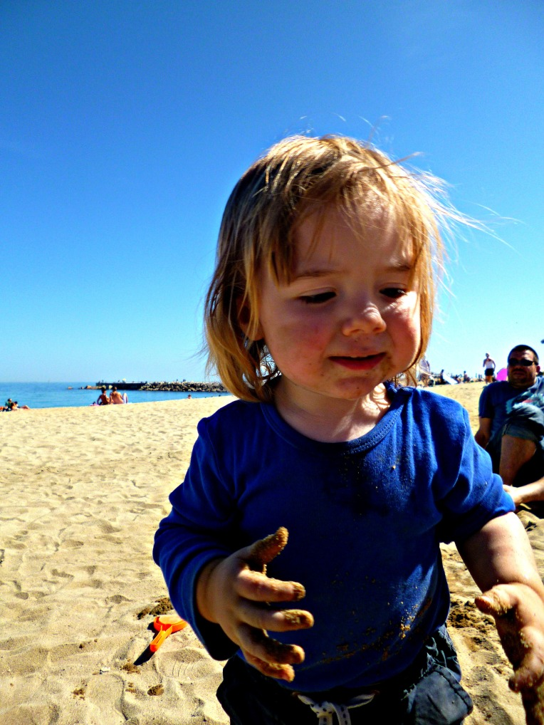 jamie eating sand